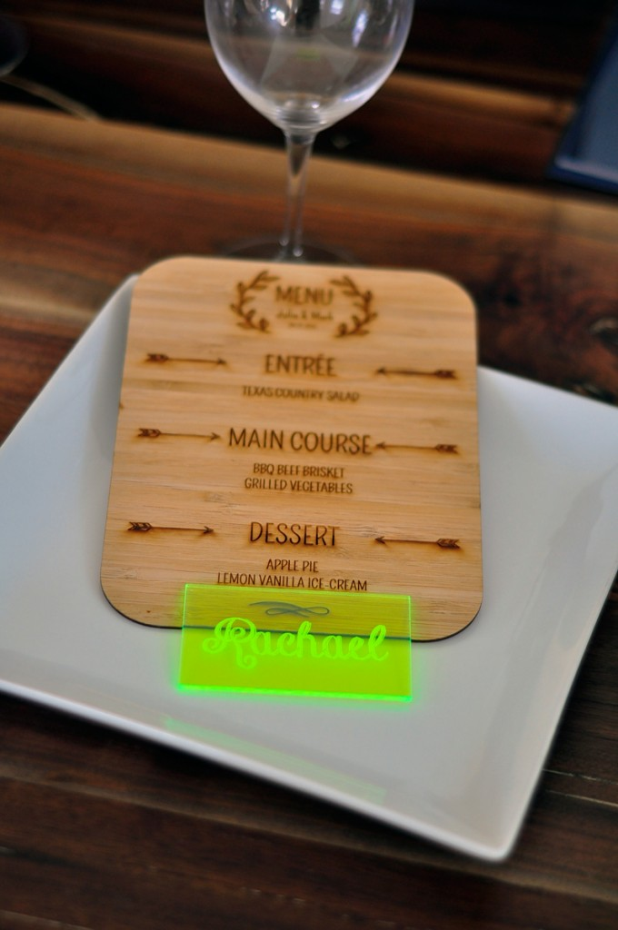 neon-green-acrylic-place-card-plate