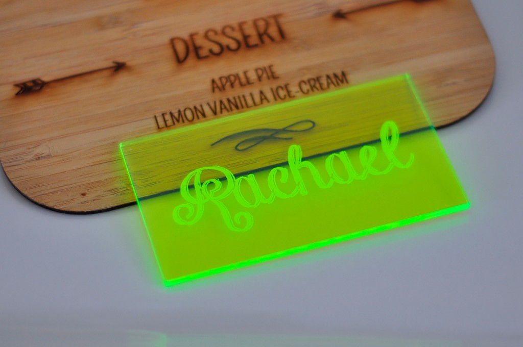 neon-green-acrylic-place-card-plate2