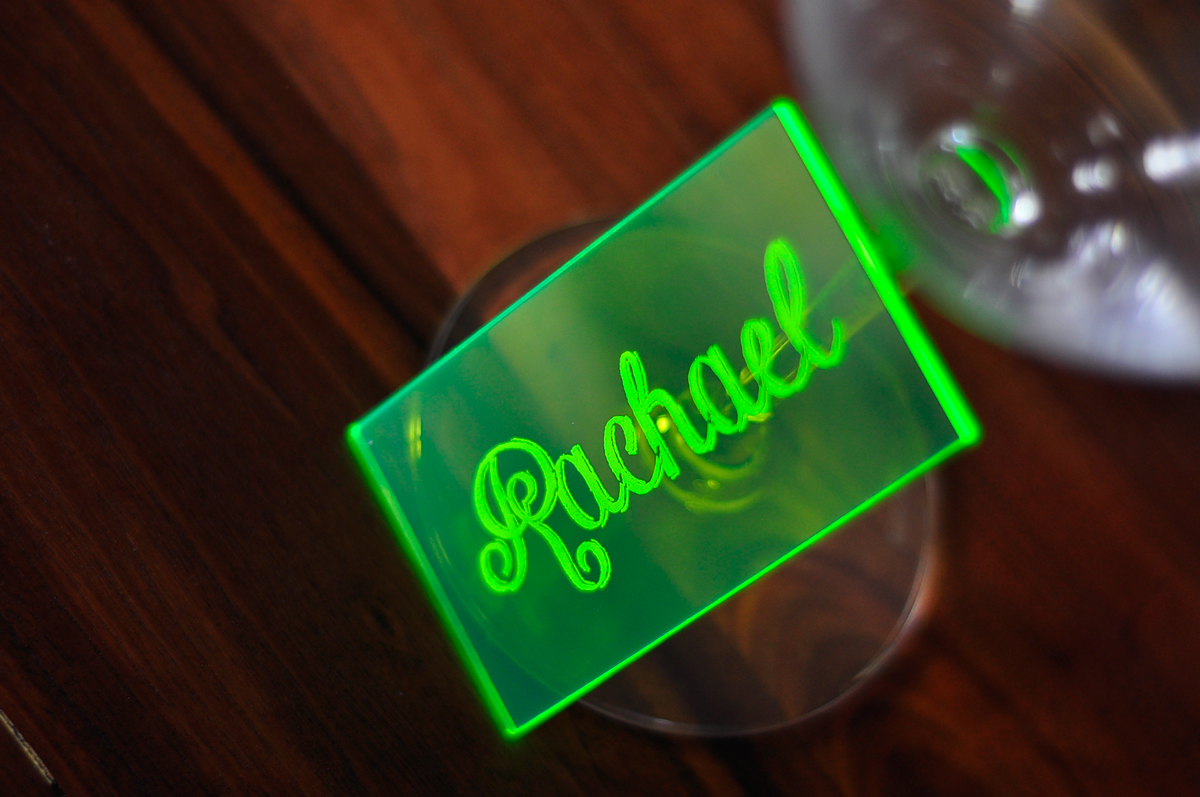 neon-green-acrylic-place-card-standing2